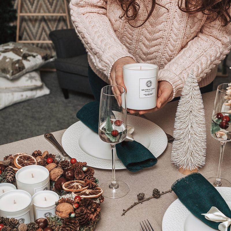 Kvepianti žvakė stalo dekore